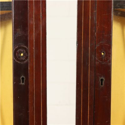 Pair of Small Corner Display Cabinets England Late 1800s Antiques Corners Cabinets