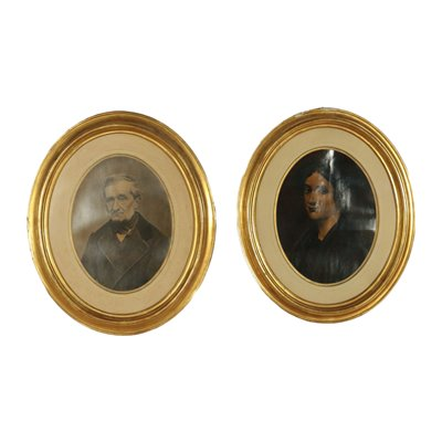 Pair of Oval Frames Italy 19th Century