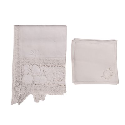 Falx Tablecloth With 12 Napkins 20th Century
